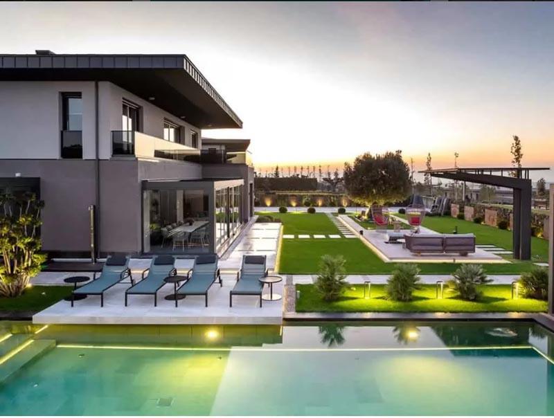Villa for sale in Istanbul
